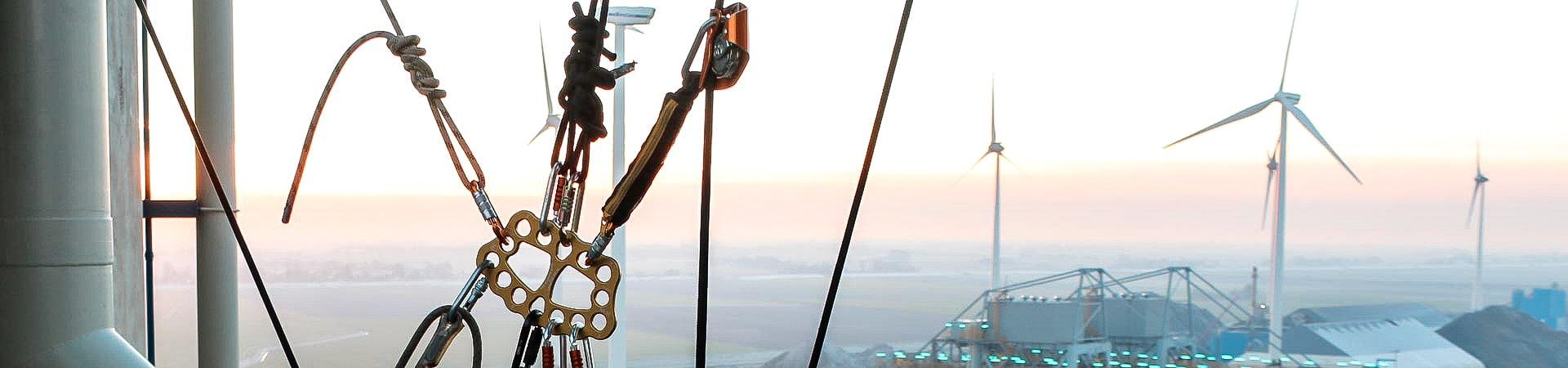 Höhenrettung mit Seilzugangstechnologie - IBE Industrieservice