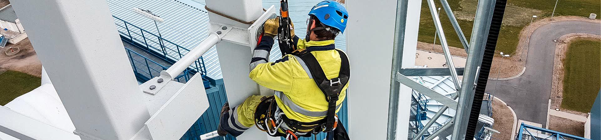 Montagearbeiten durch Industriekletterer der IBE Industrieservice GmbH