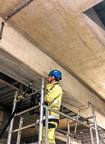 Stuttgart - Installation einer Kabeltrasse in einer Industrieanlage
