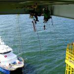 Montagetätigkeiten an einer Offshoreplattform
